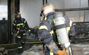 Illustration d'intervention de pompiers ici sur un incendie près de Rennes.