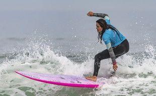 La surfeuse française Poeti Norac est décédée début février 2020.