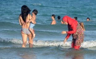 Une femme porte le burkini (image d'illustration).
