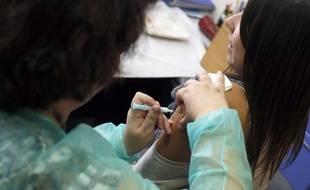 Si la vaccination contre la grippe saisonnière est recommandée pour les personnes fragiles, les adultes de 20 à 50 ans en bonne santé peuvent aussi opter pour la vaccination préventive.