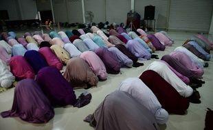 Des femmes musulmanes priant. (Illustration)