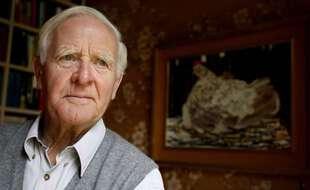 Les hommages se multiplient pour saluer la mémoire de John Le Carré, maître de l'espionnage, ici dans sa maison londonienne en 2008