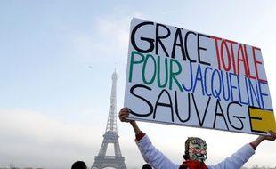 Des soutiens à Jacqueline Sauvage réunis au Trocadéro, le 10 décembre 2016.