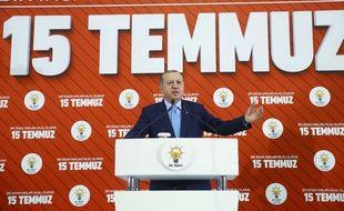 Le président Erdogan lors d'un discours commémorant la tentative ratée de putsch, vendredi 14 juillet.