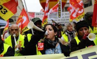 """Les cinq confédérations syndicales (CGT, CFDT, FSU, Unsa et Solidaires) appellent mercredi les salariés à une mobilisation nationale pour l'emploi et """"la justice sociale"""" dans le cadre d'un appel européen contre les mesures d'austérité face à la crise."""