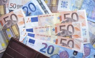 Selon une étude d'Expert Market de 2016, les ménages français épargnent en moyenne 3.000 euros par an.