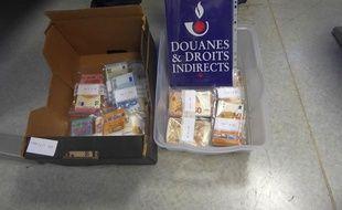 La douane d'Hendaye a saisi 112.000 euros en deux prises la même journée.