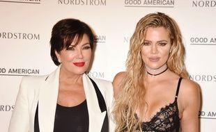La star de la télé-réalité Kris Jenner et sa fille Khloe Kardashian