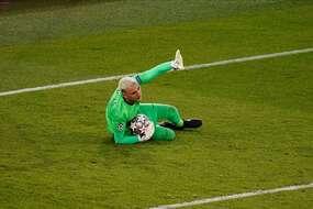 Keylor Navas, touché à une épaule, ratera la réception de Saint-Etienne en Ligue 1.