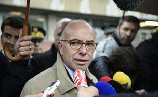 Le ministre de l'Intérieur Bernard Cazeneuve à Saint-Denis le 5 octobre 2015