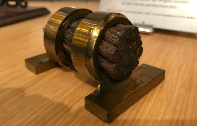 Une section du premier câble de télécommunications tiré entre Douvres et Calais en 1851.