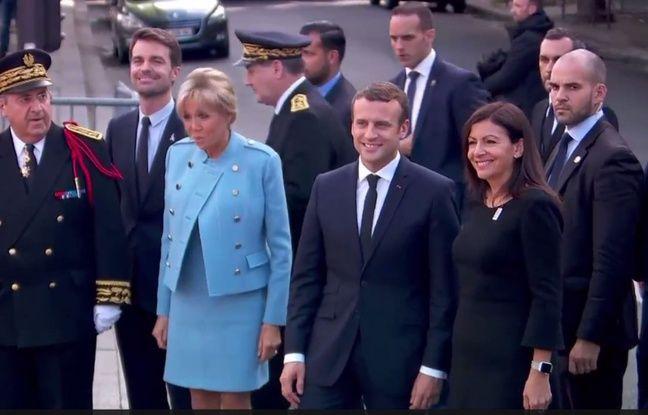 Brigitte Macron, le président Emmanuel Macron, la maire de Paris Anne Hidalgo devant la mairie de Paris le 14 mai 2017