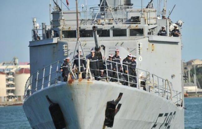 """Le """"Commandant Birot"""" arrive le 3 mai 2015 dans le port de Crotone en Italie"""
