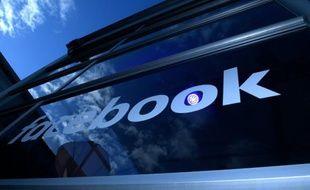 Facebook propose désormais à ses membres de refuser les publicités ciblées,dans le cadre d'une évolution des règles de protection de la vie privée