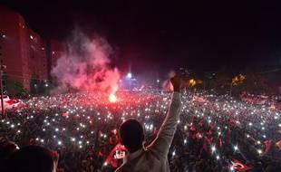 Ekrem Imamoglu fête sa victoire