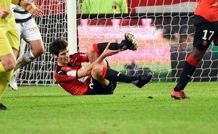 Le Rennais Yoann Gourcuff à terre à la suite de son choc avec Cheikh M'Bengue, le 9 janvier contre Lorient.