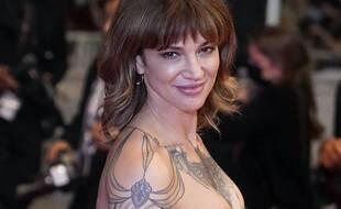 Asia Argento à Cannes le 16 juillet 2021