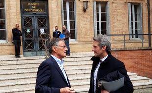 Guy Novès et son avocat Laurent Nougarolis le 8 avril 2019, devant le tribunal des prud'hommes de Toulouse.