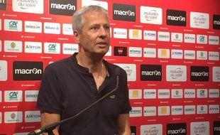 L'entraîneur niçois Lucien Favre, ce lundi en conférence de presse.