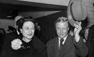 Edouard, duc de Windsor, et son épouse, la duchesse Wallis de Windsor, à Paris le 13 novembre 1956