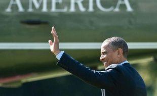Barack Obama a publié vendredi sa déclaration de revenus qui fait état de 800.000 dollars de revenus en 2011, une révélation qu'il compte utiliser à des fins électorales contre son adversaire dans la course à la Maison Blanche, Mitt Romney, plus frileux sur la question.