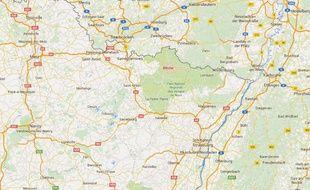 La maison de l'association franco-turque, Vatan Camii, de Bitche (Moselle) a été vandalisé. Un homme a laissé une lettre de menaces et des photos pornographiques dans la cour de la demeure.