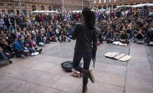 Une AG des étudiants de l'université Jean-Jaurès s'est tenue sur la place du Capitole, le 9 mai, après l'évacuation de leur campus.
