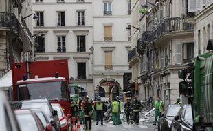 Une violente explosion a soufflé un immeuble à Paris