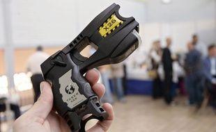 Un pistolet à impulsion électrique Taser.