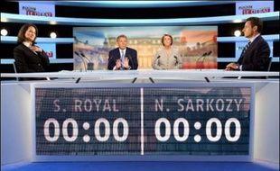 Le face-à-face télévisé entre Nicolas Sarkozy et Ségolène Royal mercredi soir sur TF1 et France 2 a réuni plus de 20 millions de téléspectateurs, une audience supérieure au débat Jacques Chirac/Lionel Jospin en 1995 (16 millions), selon les chiffres de Médiamétrie communiqués jeudi par les chaînes.
