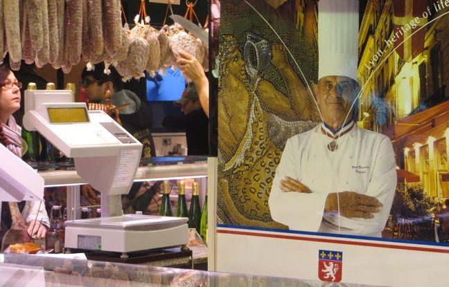 Lyon: Dans les allées des Halles Paul Bocuse, on se souvient avec émotion de «Monsieur Paul»