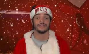 "Capture d'écran de Joakim Noah chantant ""12 days of christmas""."