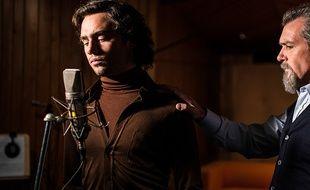 Toby Sebastian et Antonio Banderas dans The music of silence de Michael Radford