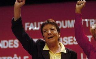 """L'ex-candidate à l'élection présidentielle Arlette Laguiller a indiqué mardi que Lutte ouvrière allait participer à des listes d'union """"dans presque 65 villes"""" avec le Parti socialiste et le Parti communiste."""