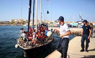 Un navire transportant 41 migrants se dirige vers Lampedusa, le 6 juillet 2019.