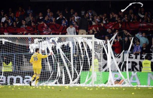 L'AJ Auxerre (relégué en Ligue 2) a été sanctionné jeudi de quatre matches à huis clos, dont deux avec sursis, par la Commission de discipline de la Ligue de football professionnel (LFP), en raison d'incidents ayant émaillé le match de Ligue 1 contre Montpellier, le 20 mai dernier.
