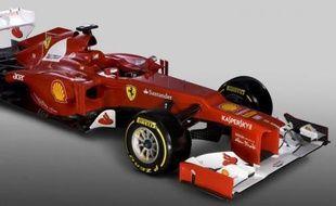 Ferrari et Force India ont dévoilé vendredi matin, quasiment à la même heure, leurs nouvelles monoplaces pour la saison 2012 de Formule 1, l'écurie italienne exclusivement sur internet à cause de la neige à Maranello, et l'équipe indienne sur le circuit de Silverstone.