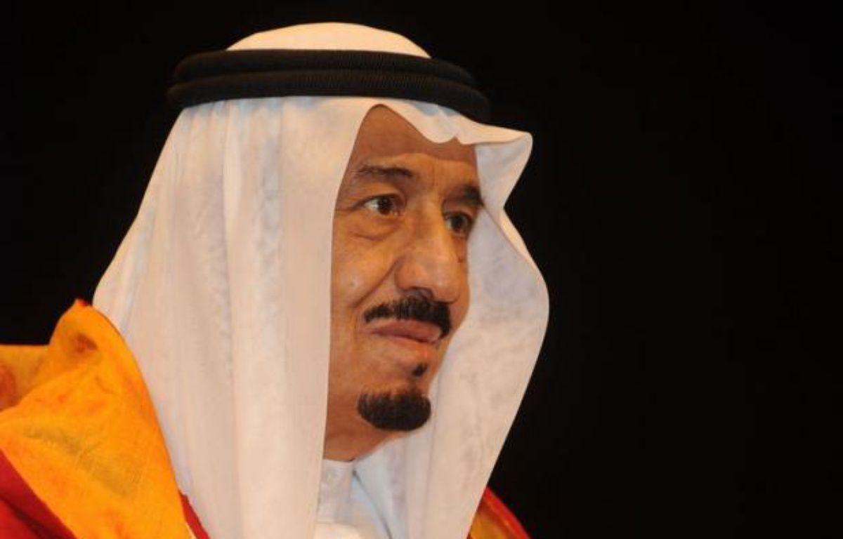 Le roi Abdallah d'Arabie saoudite a choisi lundi son demi-frère, Salmane, 76 ans, prince héritier en remplacement de Nayef ben Abdel Aziz, décédé en Suisse, une nomination sans surprise qui consacre la continuité à la tête de la dynastie des Al-Saoud. – Raveendran afp.com