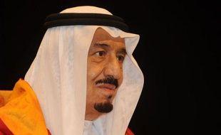 Le roi Abdallah d'Arabie saoudite a choisi lundi son demi-frère, Salmane, 76 ans, prince héritier en remplacement de Nayef ben Abdel Aziz, décédé en Suisse, une nomination sans surprise qui consacre la continuité à la tête de la dynastie des Al-Saoud.
