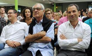 Les socialistes Henri Emmanuelli (c) et l'ex ministre de l'Education Benoit Hamon (d), lors des universités d'été du PS à La Rochelle, le 29 août 2014