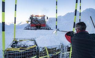 Pour la seconde année consécutive, des bouteilles de vin vont vieillir sous la neige, à Cauterets, dans les Hautes-Pyrénées.