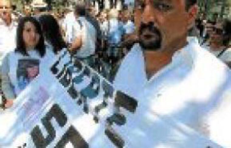 Le père de Sevil a dénoncé dimanche cette arrestation injuste.