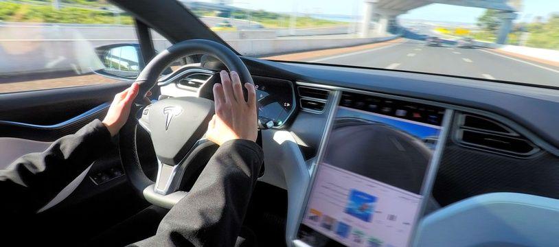 L'intérieur d'une Tesla Model X.