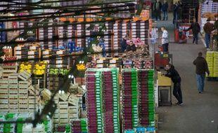 """La section """"fruits et légumes"""" du marché de Rungis, le 20 décembre 2012"""