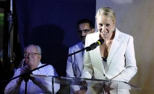 Marion Maréchal-Le Pen (FN), qui accède à seulement 22 ans au Palais Bourbon, a expliqué lundi qu'elle ferait entendre sa voix à l'Assemblée nationale sur le thème du pouvoir d'achat, en défendant une augmentation de 200 euros par mois des petits salaires.