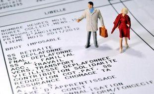 Les trois millions de salariés rémunérés au Smic verront leur salaire horaire passer de 9,43 à 9,53 euros brut au 1er janvier, une hausse qui se limite aux mécanismes légaux, sans coup de pouce supplémentaire du gouvernement.