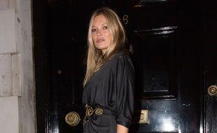 La top Kate Moss dans les rues de Londres