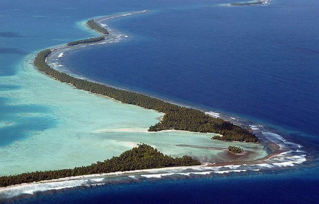 L'atoll de Funafuti, où vit près de la moitié de la population des Tuvalu, le 19 février 2004.