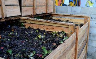Un bac à compost de l'association les Détritivores.