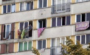 Des lycéens de Clichy-sous-Bois ont présenté mercredi le roman qu'ils ont écrit pendant un an, oeuvre polyphonique qui raconte l'espoir, les galères mais aussi la violence au quotidien dans cette ville d'où sont parties les émeutes de 2005.